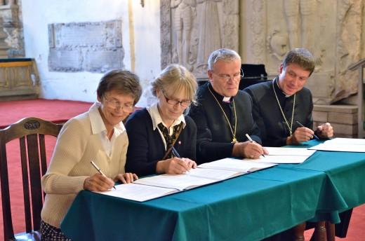 Lepingu allkirjastamine Tallinna Toomkooli taasavamiseks