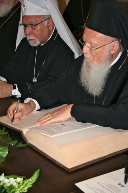 Patriarh Bartolomeus ja metropoliit Stefanus Toomkirikus (Foto A.Tuhkru)