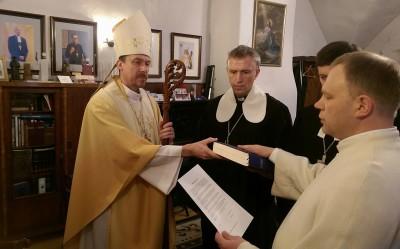 Margus+Suvi+preestri+ametivannet+andmas+Kolmekuningapäeval+toomkirikus+06.01.2018.